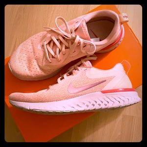 Nike Odyssey React Oracle Pink/Rose Size 7.5